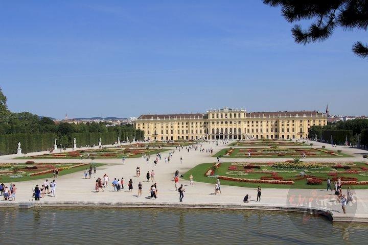 Дворец Шенбрюн. Вена. Австрия. Август 2017