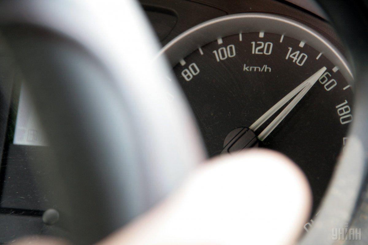 Водителей начнут штрафовать за превышение скорости только со 151 км / ч