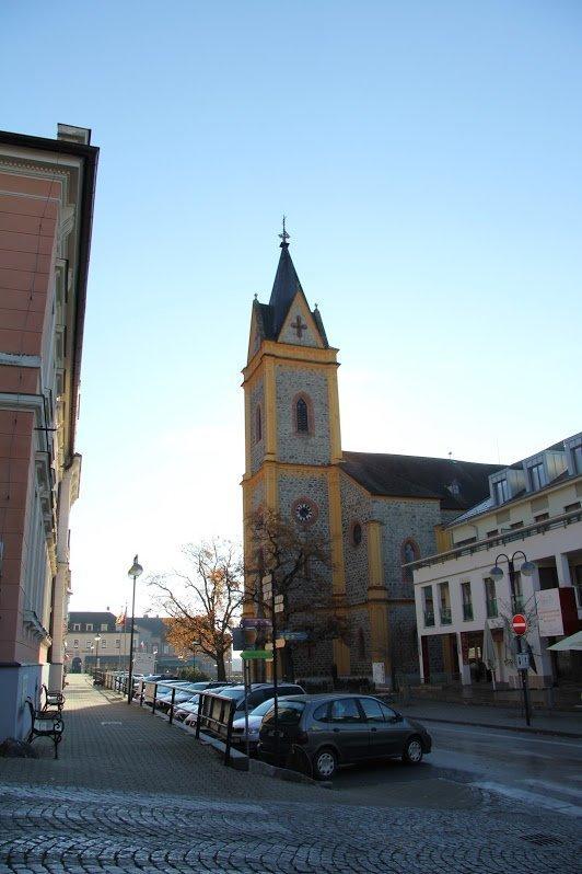 Церковь Святого Яна Непомуцкого, Глубока над Влтавой, Чехия. Октябрь, 2015