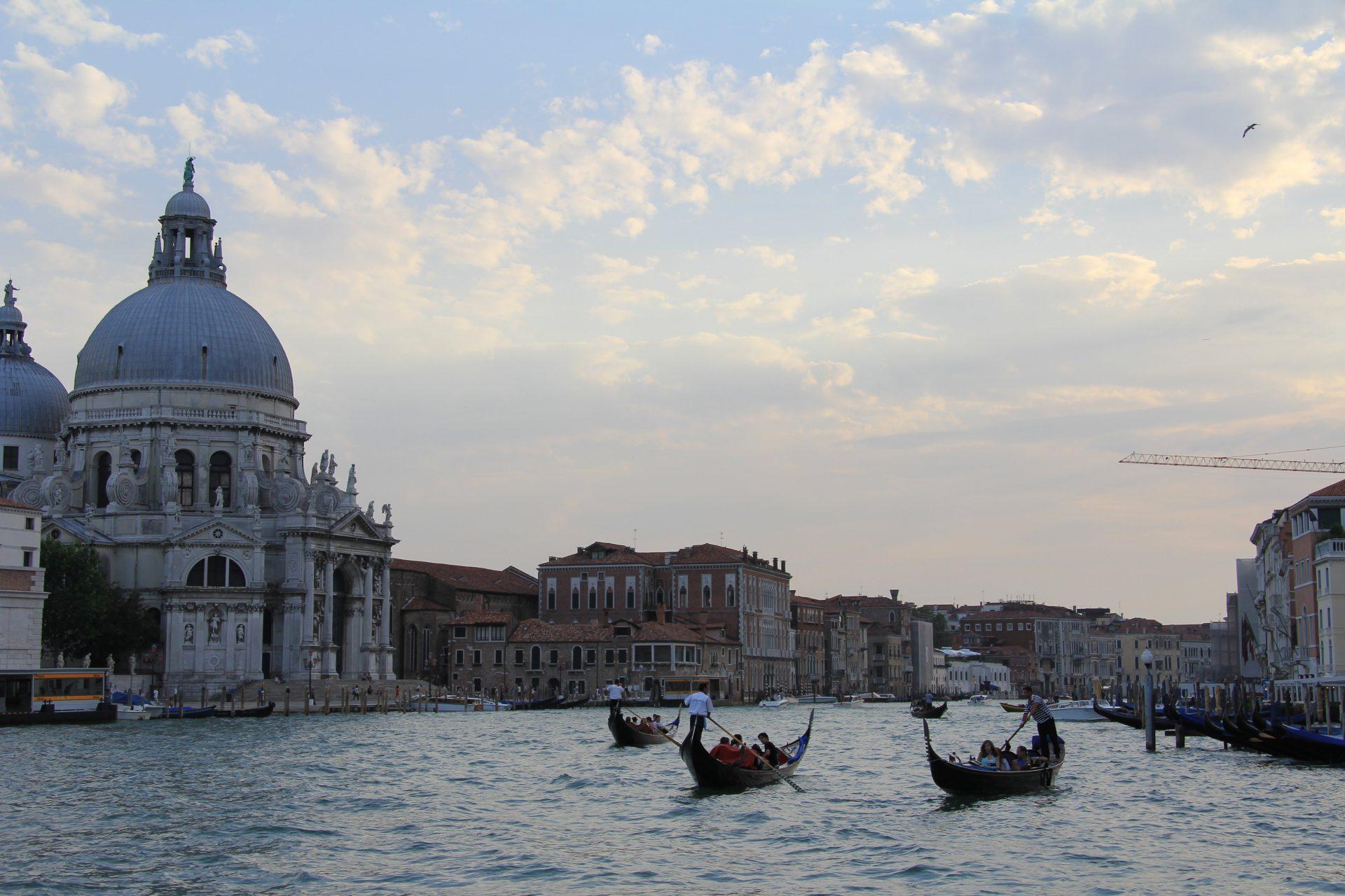Гранд канал и Санта — Мария — Делла — Салюте, Венеция, Италия. Июль, 2012