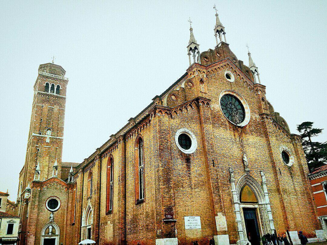 Собор Санта-Мария Глориоза деи Фрари, Венеция, Италия. Декабрь, 2018