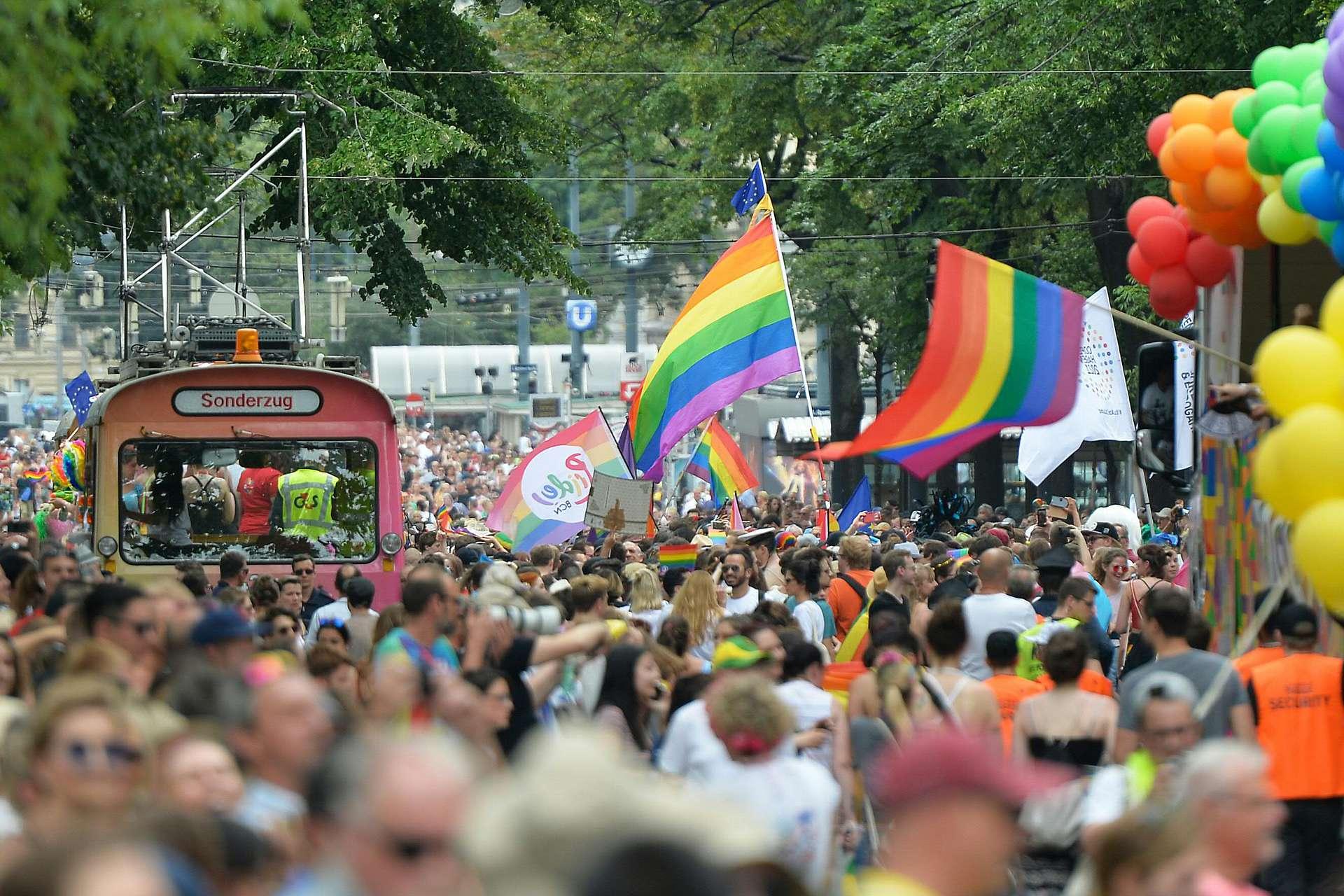 В EuroPride-2019 в Вене приняли участие полмиллиона человек