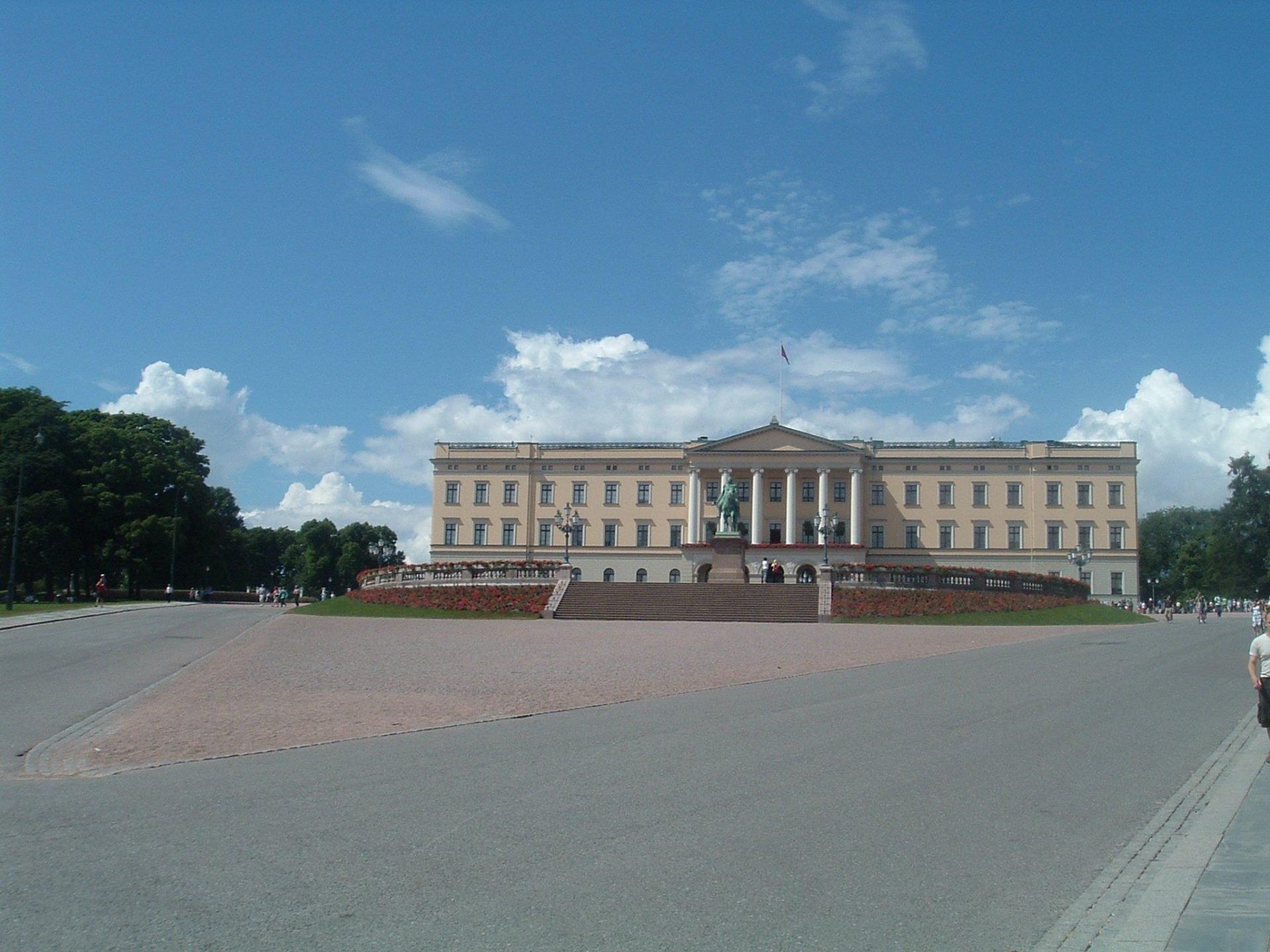 Королевский дворец, Осло, Норвегия. Июнь, 2005