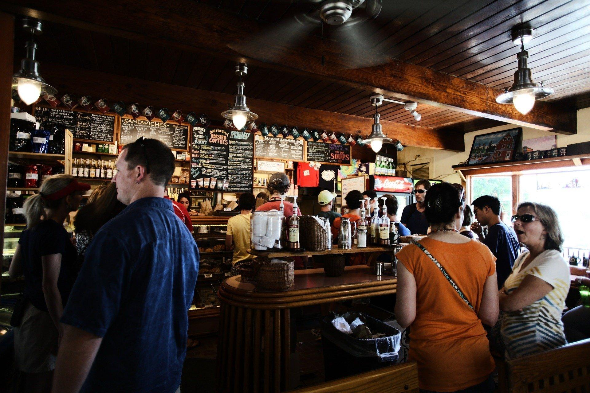 Исследование в Австрии: половину посетителей раздражает присутствие детей в ресторане