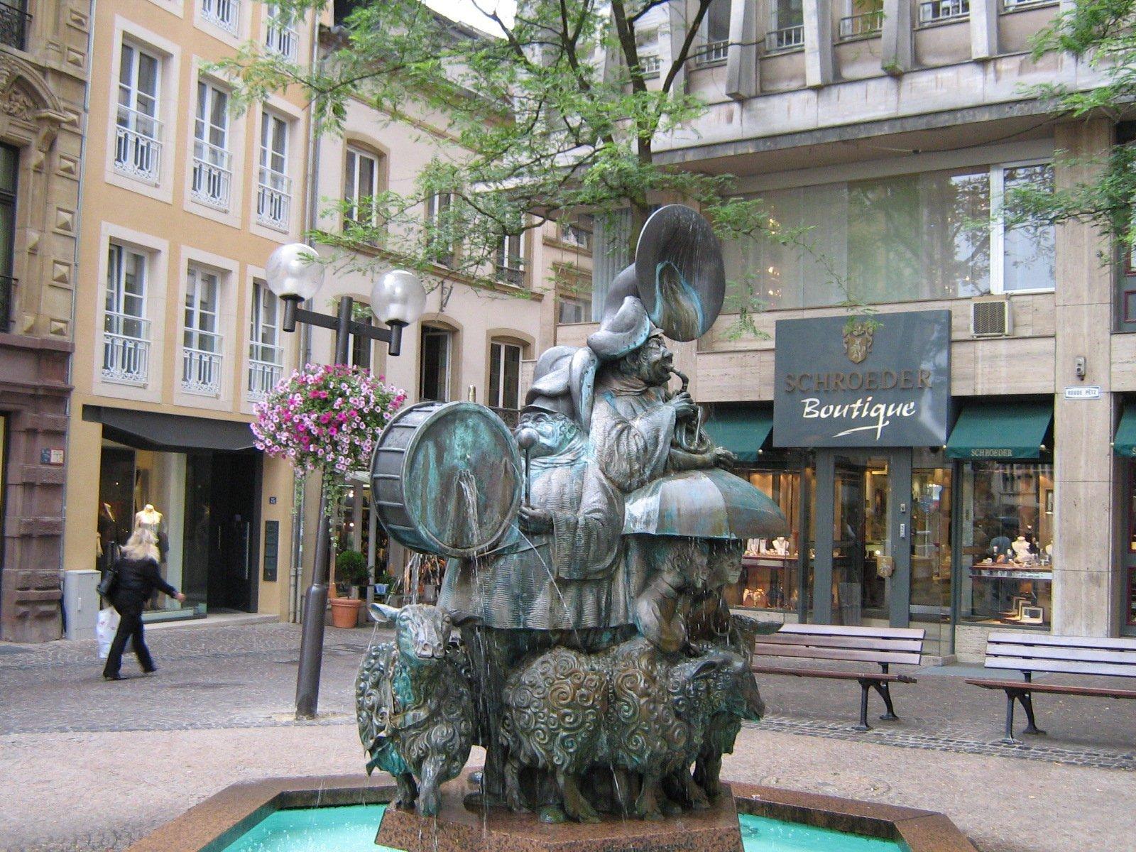 Фонтан «Овечий марш», Люксембург, Люксембург. Июль, 2006