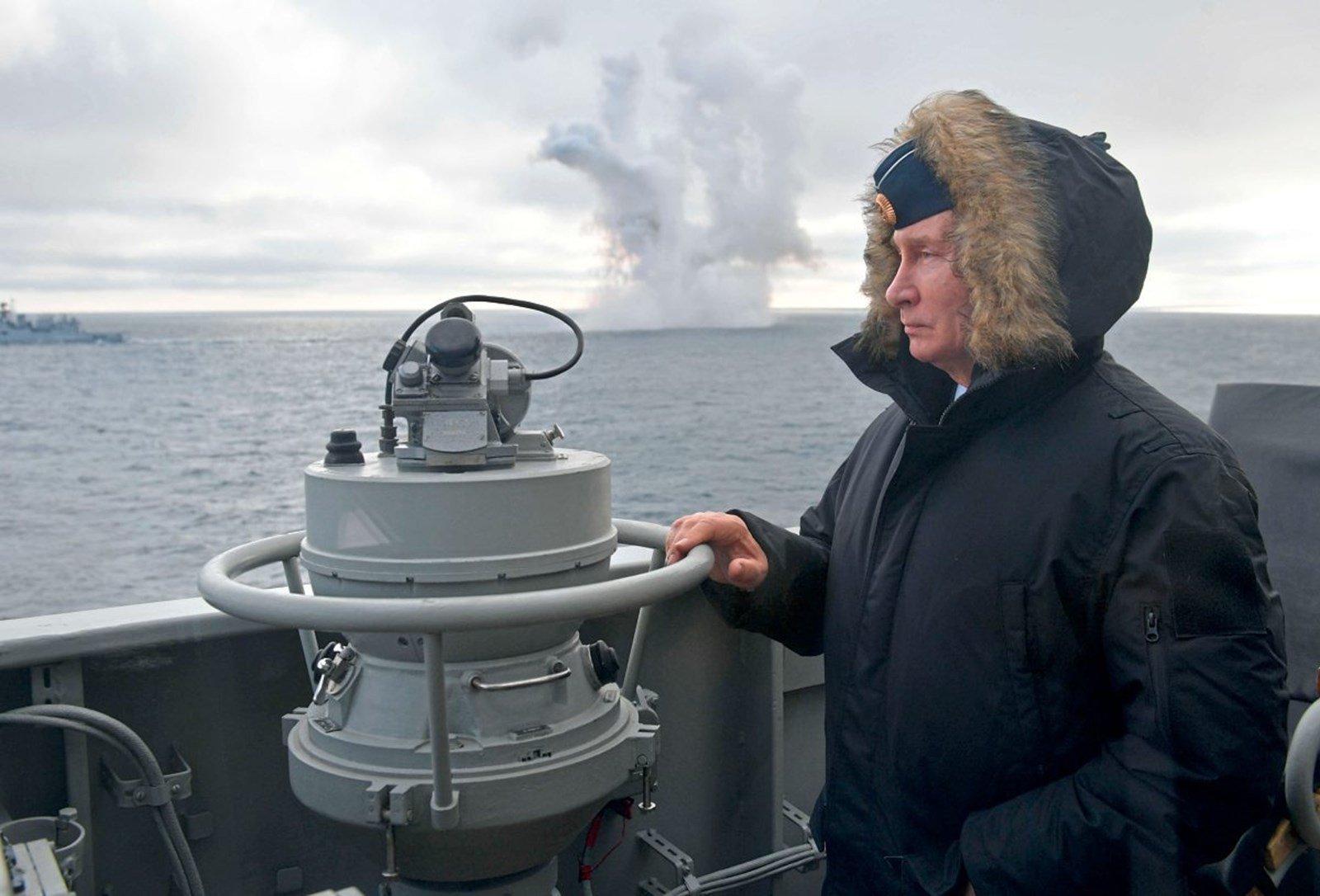 СМИ Австрии: Путин наблюдает за гиперзвуковым ракетным испытанием в Крыму