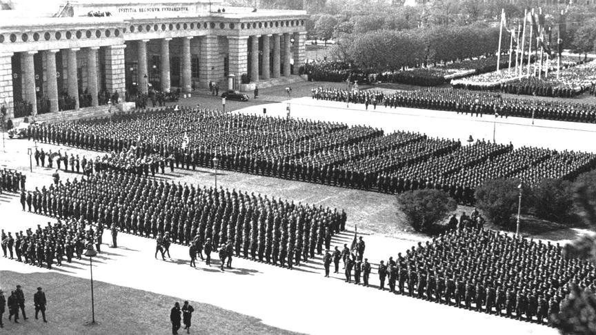 Тобиас Порчи — австрийский нацист, автор доклада по «Цыганскому вопросу»