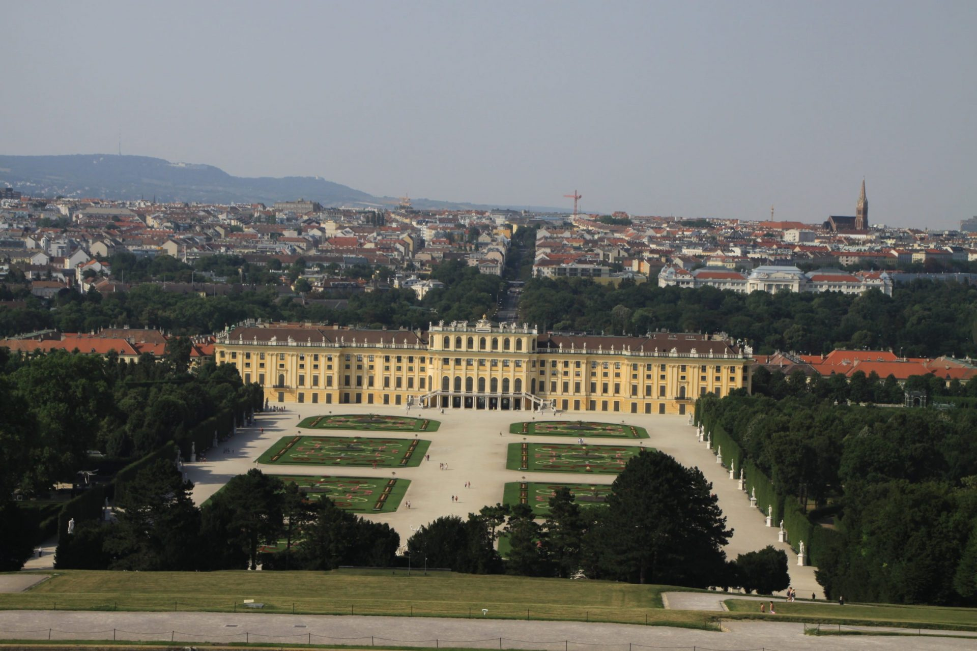Вид на Шёнбрунн и город, Вена, Австрия. Июль, 2012
