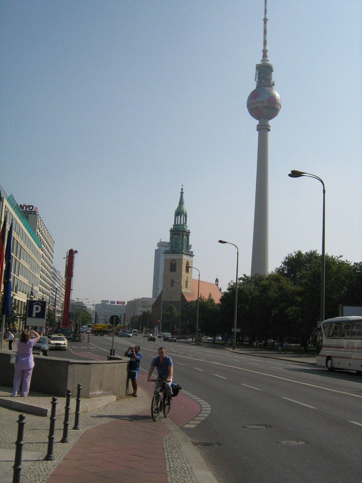Берлинская телебашня, Берлин, Германия. Июль, 2006