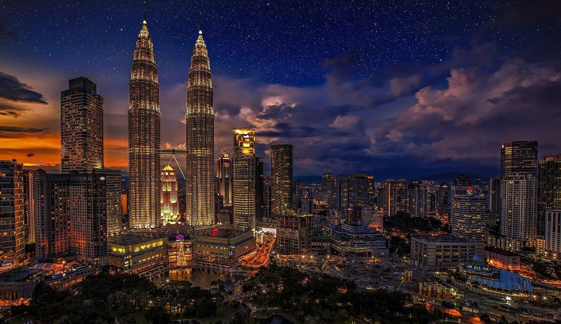 Большое интервью с питерцем, который живёт в Малайзии.