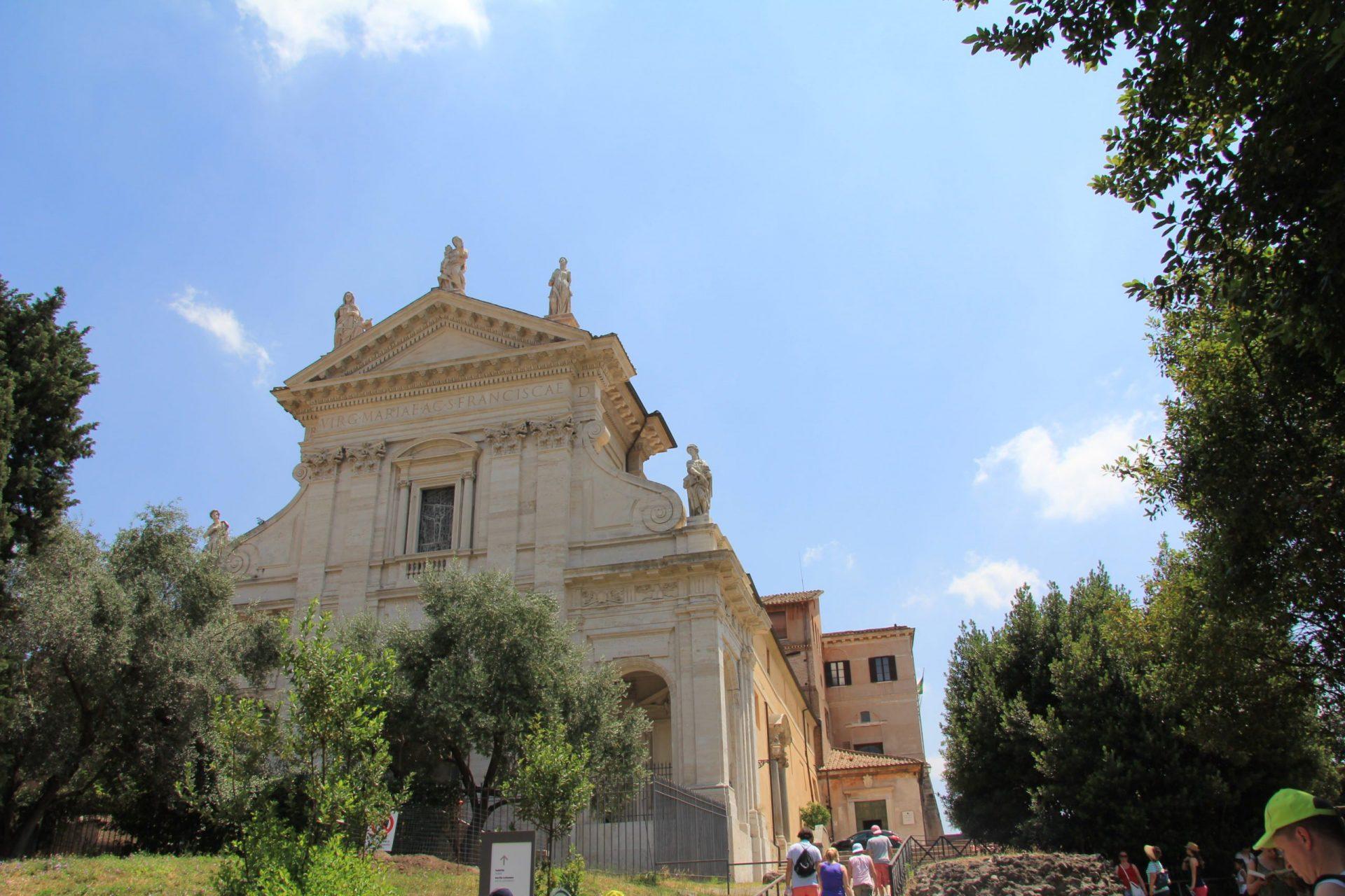 Санта-Франческа-Романа, Рим, Италия. Июль, 2012