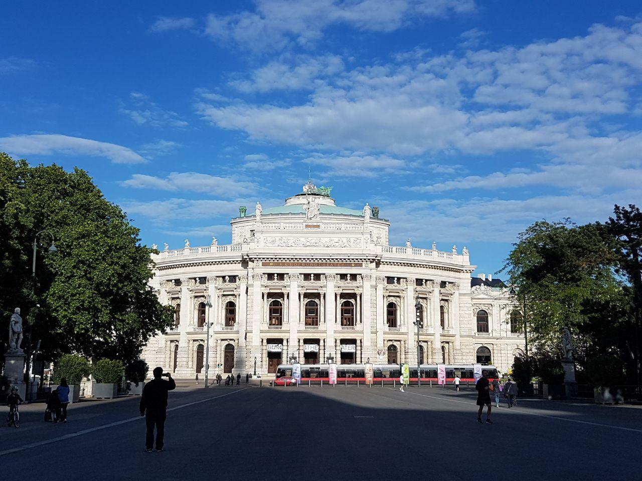 Бургтеатр, Вена, Австрия. Май, 2020