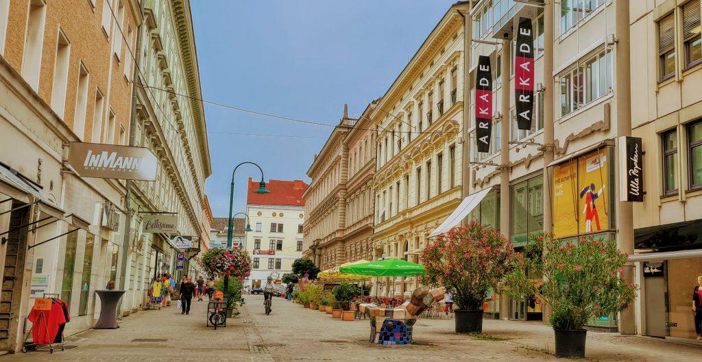Мифы об эмиграции: тяжело везде! И в России, и в Австрии.