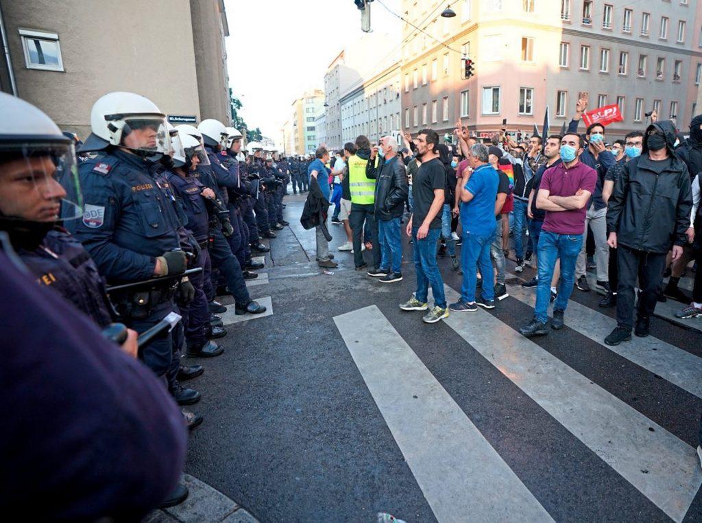 Европе уже небезопасно, так как там живут одни беженцы